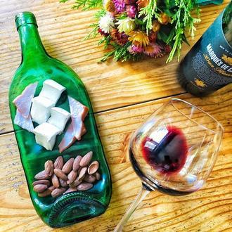Стеклянная тарелка из сплюснутой бутылки для подачи сыра, мяса, нарезок Jameson Green