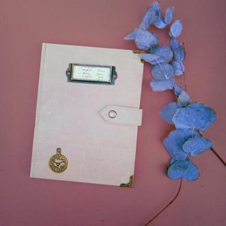 Блокнот скетчбук в обложке из бежевой натуральной замши