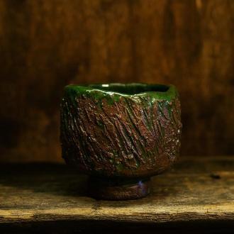 чаша для чая (тяван, чаван) в японском стиле ваби-саби для чайной церемонии или чая маття (матча)