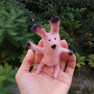 Пальчиковая игрушка Розовый заяц.