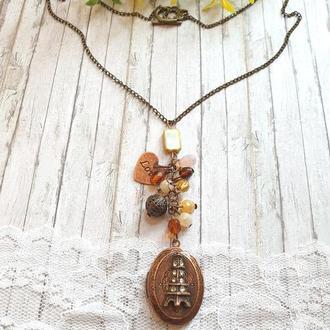 Кулон-гроно з чеськими намистинами і медальйоном для 2 фото