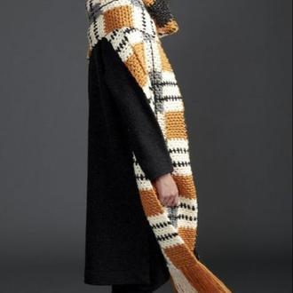 Вязаный объемный шарф