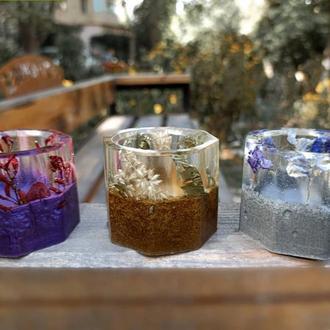 Перламутровые кашпо с живыми цветами