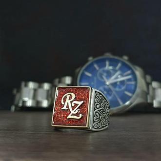 Чарівний перстень з червоним каменем розпис ініціал каліграфія ручної роботи. Кільце з монограмою