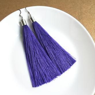 Фиолетовые серьги кисточки