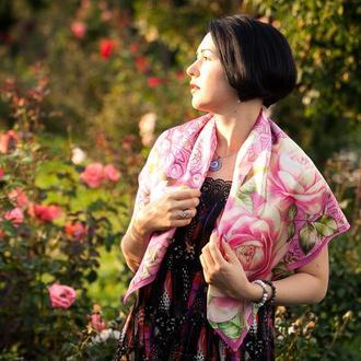 Большой шелковый платок розового цвета с розами, Шелковый платок с цветами