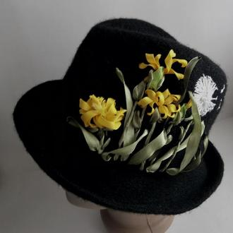 Шляпа женская с ручной вышивкой лентами