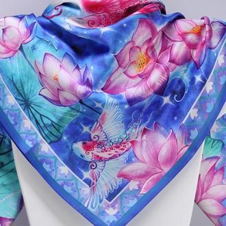 Романтичный бирюзовый шелковый платок с лотосами и рыбами Кои