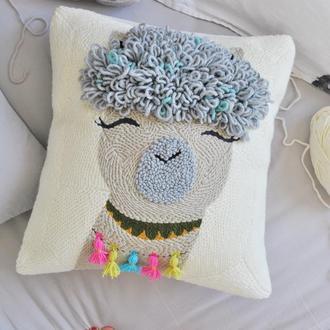 Вышитый чехол на подушку / декоративная подушка / ковровая вышивка / детский декор