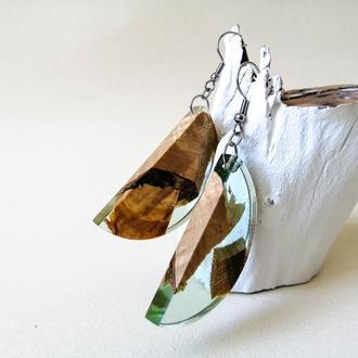 Нежные серьги, серьги из дерева и смолы, подарок девушке, полукруглые серьги, серьги ручной работы