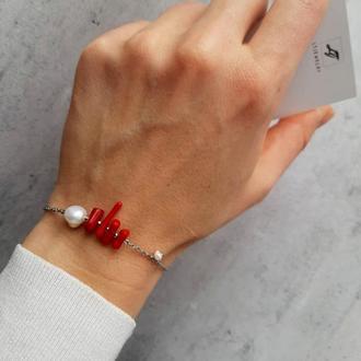 Изящный женский браслет с кораллом и жемчугом. Красивый браслет. Подарок.