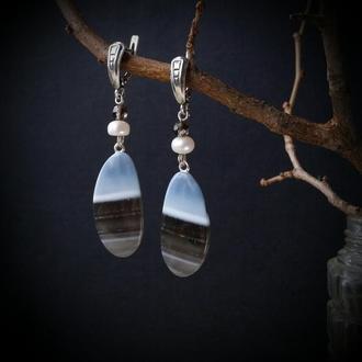 Серебряные серьги с голубым опалом и жемчугом