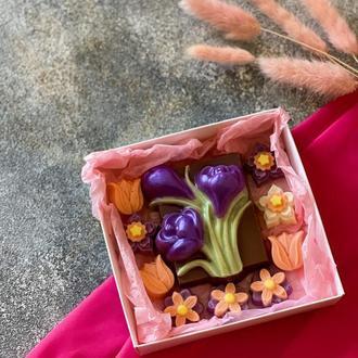 Коробка шоколадок к 8 марта