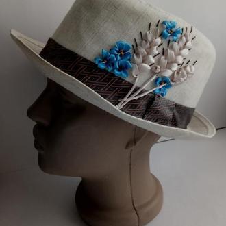 Шляпа с ручной вышивкой лентами