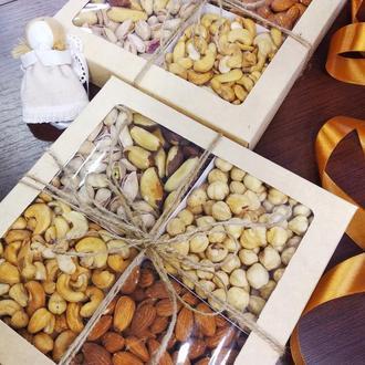 Ореховая коробка