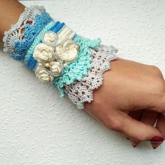 Шикарный ажурный голубой браслет манжет, вязаный оригинальный браслет ручной работы в стиле бохо