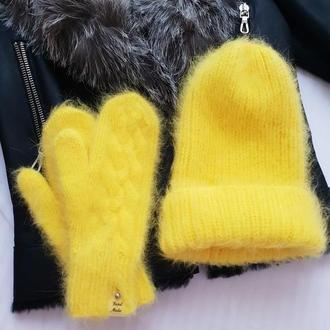 Зимний комплект (шапка и варежки)