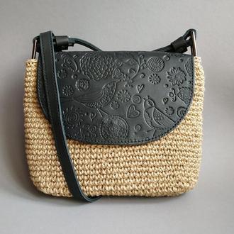 Стильная женская сумка через плечо. Черная вязаная кроссбоди