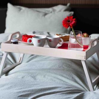 Поднос на ножках Breakfast in bed. Поднос из натурального дерева.