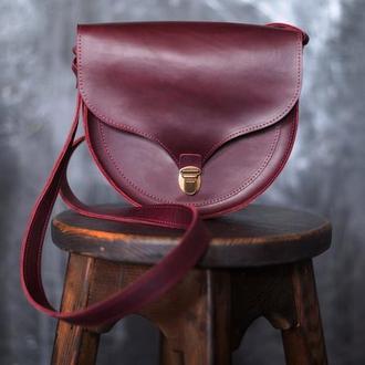 Женская сумка через плечо из кожи Crazy Horse. Женская седельная сумка из кожи Крейзи Хорс