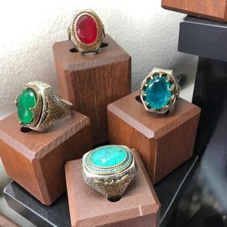 Большие серебряные перстни кольца из серебра с крупными камнями Турмалин в короне из серебра