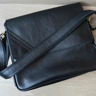 Мужская сумка из натуральной кожи чёрного цвета