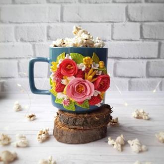 Чашка з квітковим декором