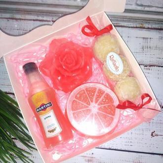 Подарочный набор из мыла  и сахарного скраба