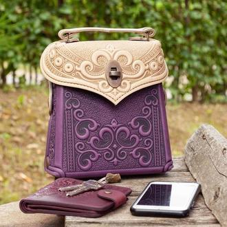 Маленькая авторская Сумочка-рюкзак кожаная сиреневая с бежевым с орнаментом Бохо