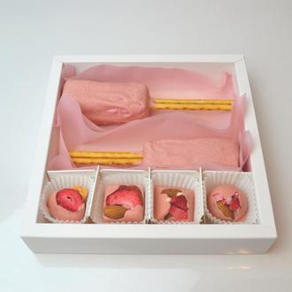 Подарочный набор вишневого крафтового зефира в бельгийском шоколаде.