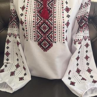 Стильная женская вышиванка на белом домотканом полотне. TM SavchukVyshyvka