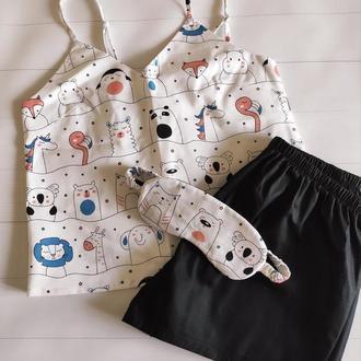 """Красивая хлопковая пижама с майкой """"Парад зверей"""" и черными шортами (маска для сна в подарок)"""