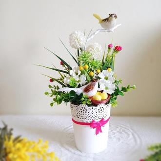 Цветочная  композиция с птичками
