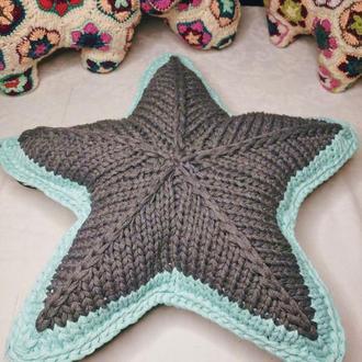 подушка звезда из трикотажной пряжи