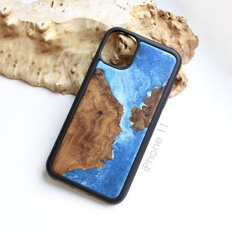 Деревянный чехол для iPhone 11 из дерева и эпоксидной смолы ручная работа