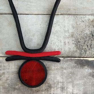 Шовкове намисто з червоним склом