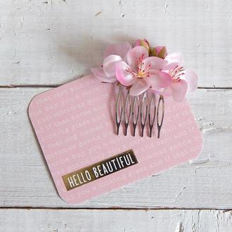 Маленький гребень для волос с цветами яблони