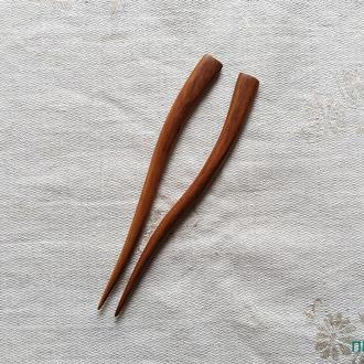 """Шпилька для волос из дерева парная  """" 1+1 Яблоня 1""""."""