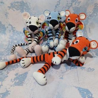 Кольоровий тигр в'язаний гачком з крилами метелика. Креатвна іграшка друг для дітей та дорослих дім!