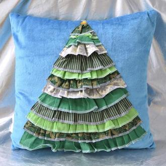 Подушка декоративная Елка на голубом фоне