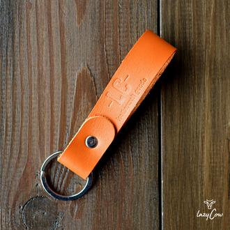 Брелок для ключей из натуральной кожи оранжевого цвета