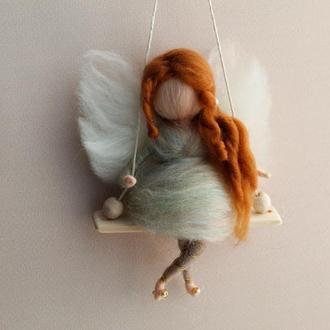 Красивая подвеска сувенир Кукла рыжая