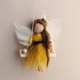 Куколка Бджілка