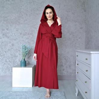 Длинный халат-кимоно с широким поясом и капюшоном из натурального льна