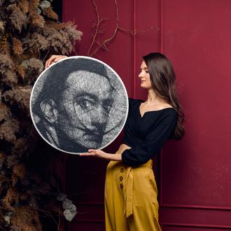 Портрет на замовлення по фото! Унікальний портрет з цвяхів та ниток! Портрет Сальвадора Далі!