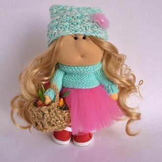 Кукла интерьерная с фруктовой корзинкой. Текстильная кукла ручной работы