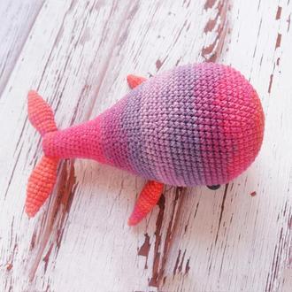 Радужный кит, вязаная игрушка