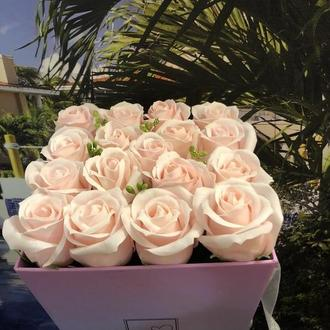 Букет из 17 мыльных роз