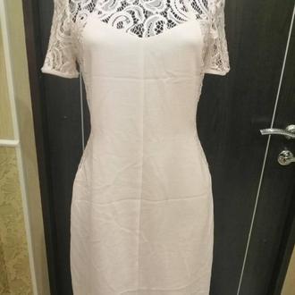 Шикарное платье с кружевом на размер евро 36