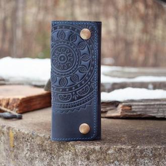 Ключница кожаная темно-синяя с орнаментом тиснением Солнце
